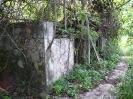 Verfallenes Gebäude auf dem Weg zur Anse Capucins